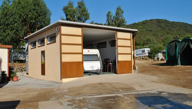 Caravan mechanical workshop on Elba Island