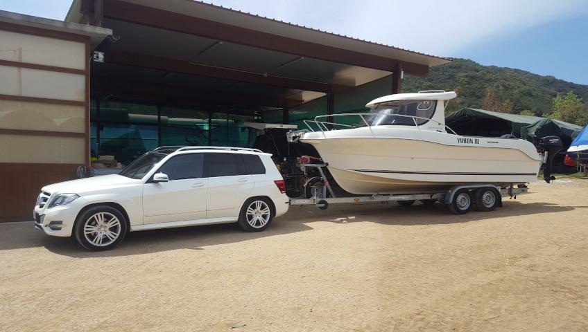 Bootstransport auf der Insel Elba - Jeep mit Haken