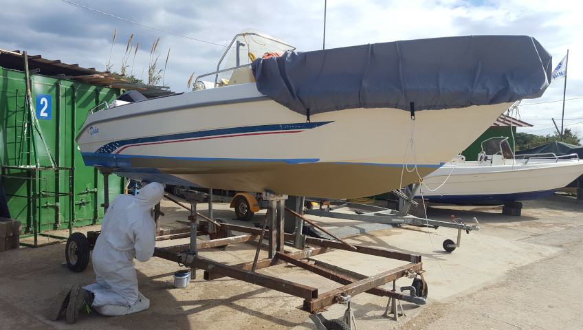 Hull cleaning and antifouling application